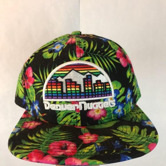 09c0a0a746c  NEW ERA  Tropical Print Denver Nuggets SnapBack. M 5b5fc5ec10fc54e3a9a7627f